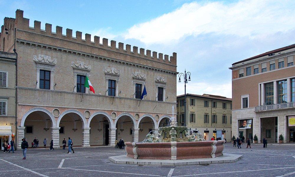 Prefettura-Pesaro